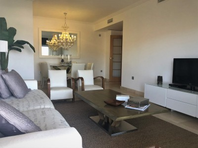 2 Bedroom Middle Floor Apartment in Los Flamingos