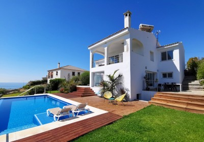 5 Bedroom Detached Villa in Torreguadiaro
