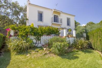 4 Bedroom Detached Villa in El Madroñal