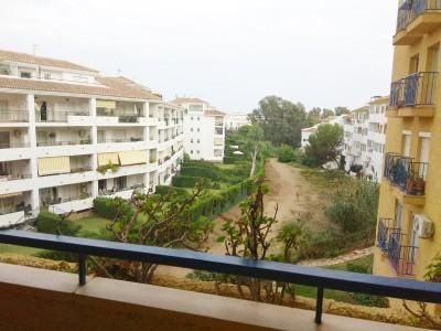 2 Bedroom Middle Floor Apartment in Calahonda