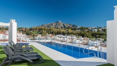 2 Bedroom Top Floor Apartment in Nueva Andalucía