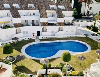 2 Bedroom Middle Floor Apartment in Nueva Andalucía
