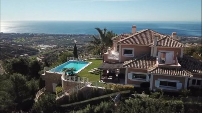 4 Bedroom Detached Villa in Altos de los Monteros