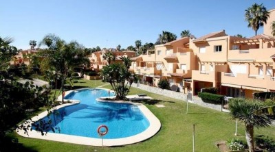 3 Bedroom Middle Floor Apartment in Artola