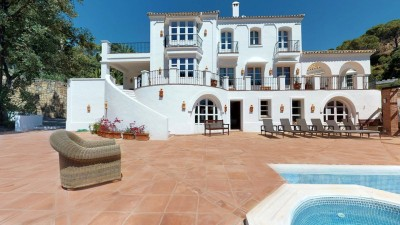 7 Bedroom Detached Villa in El Madroñal