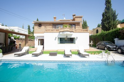 5 Bedroom Detached Villa in Artola