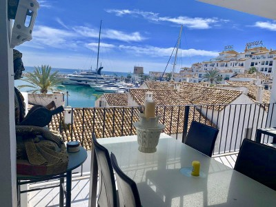 1 Bedroom Middle Floor Apartment in Puerto Banús