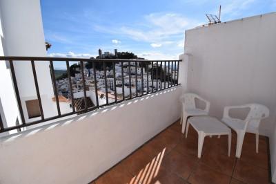 2 Bedroom Semi-Detached House in Casares