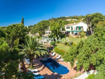 8 Bedroom Detached Villa in El Madroñal