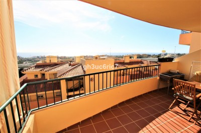 3 Bedroom Middle Floor Apartment in Riviera del Sol
