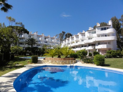 2 Bedroom Top Floor Apartment in Calahonda