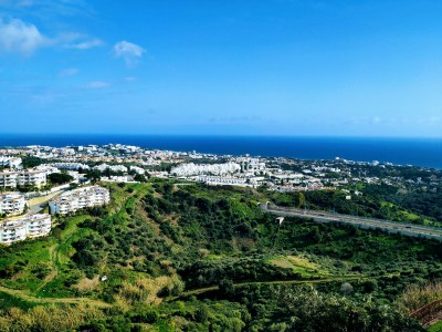 1 Bedroom Top Floor Apartment in Calahonda