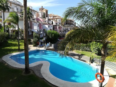 2 Bedroom Middle Floor Apartment in Mijas Golf
