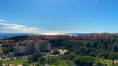 2 Bedroom Middle Floor Apartment in El Faro