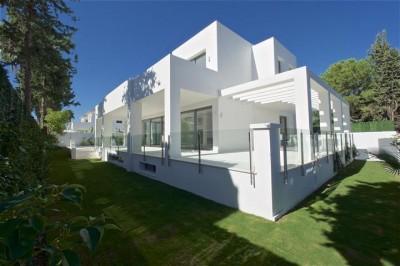 5 Bedroom Detached Villa in Cortijo Blanco